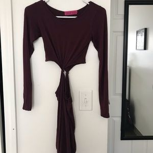 Maroon long-sleeved cutout dress